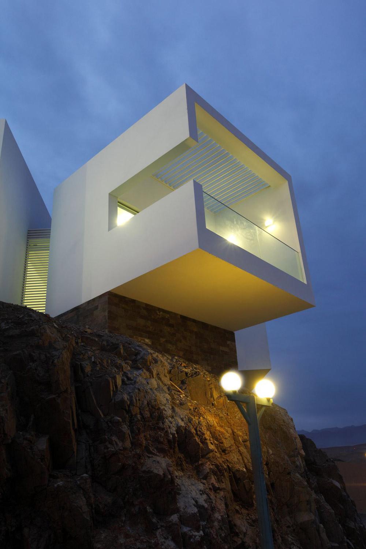 Evening, Casa Playa Las Lomas, Peru by Vértice Arquitectos