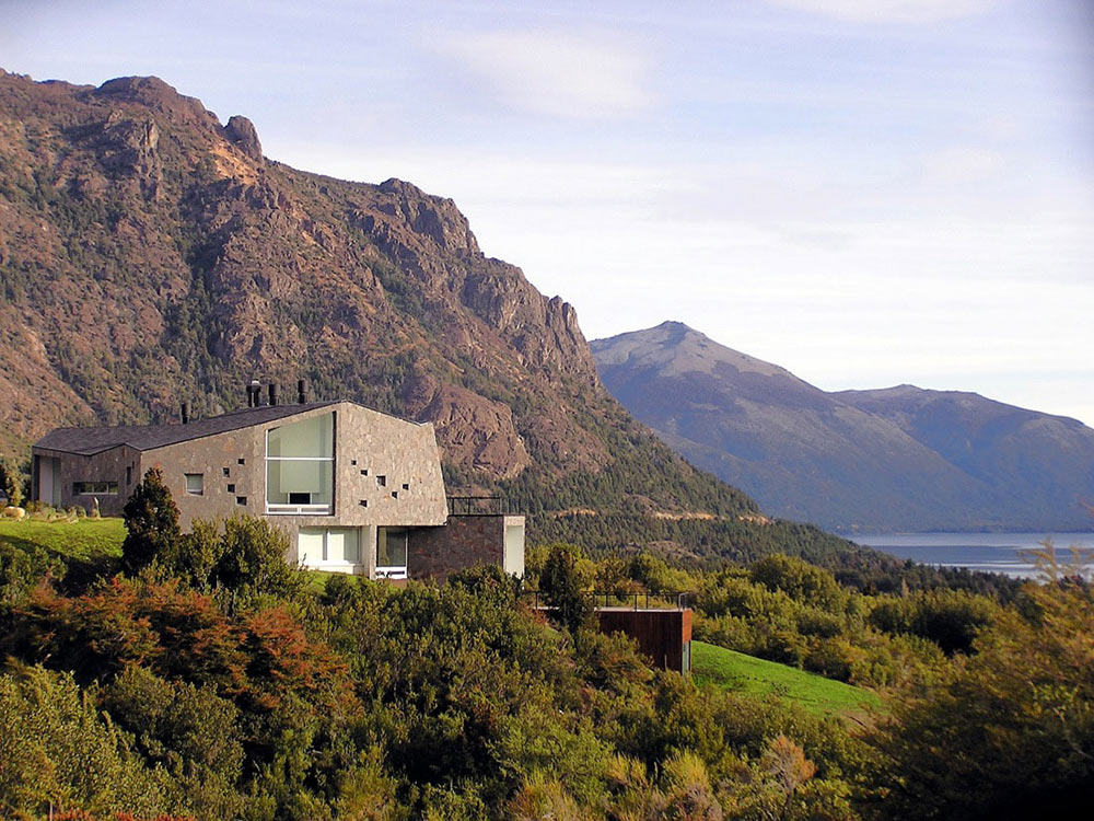 Casa s mountain house in argentina by alric galindez for Mountain home architects
