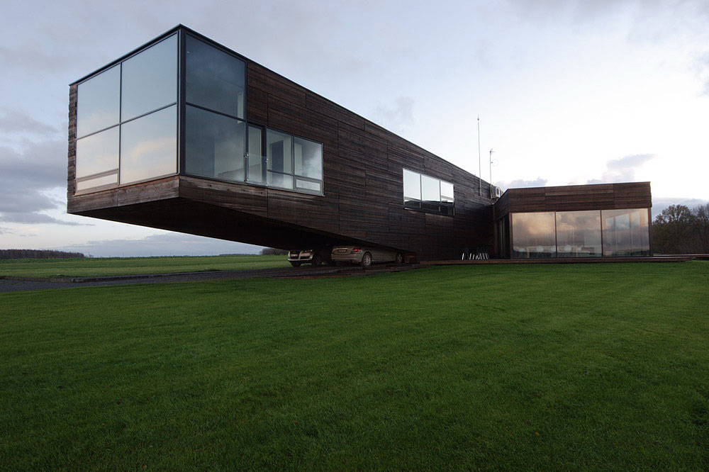 Cantilevered House in Utriai, Lithuania by G.Natkevicius & Partners
