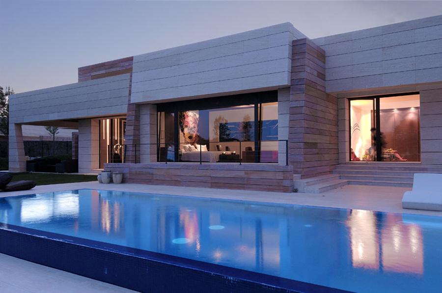 Outdoor Pool, Vivienda 4 Luxury Development, Madrid by A-cero Architects