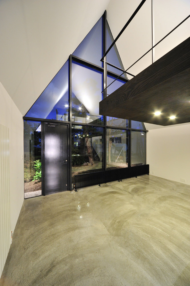Living Space, ASH House, Japan by IRA