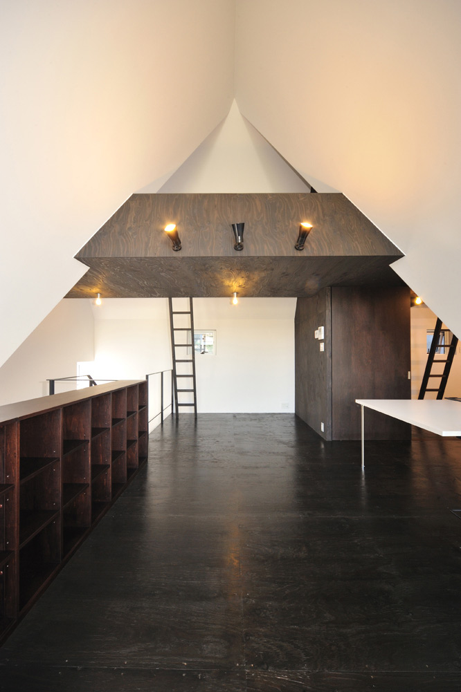 ASH House, Japan by IRA