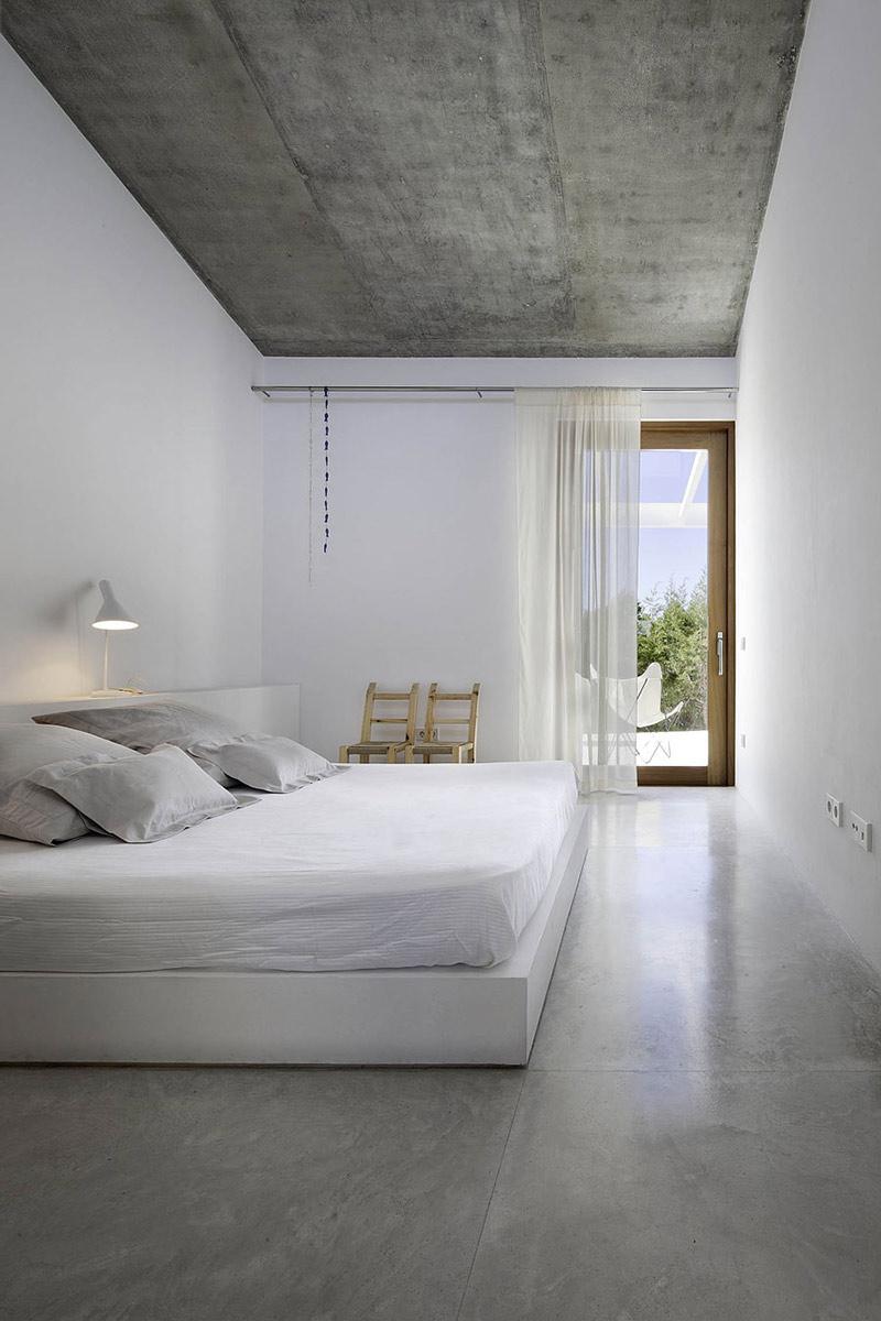 Bedroom, Can Manuel d'en Corda by Marià Castelló Martínez