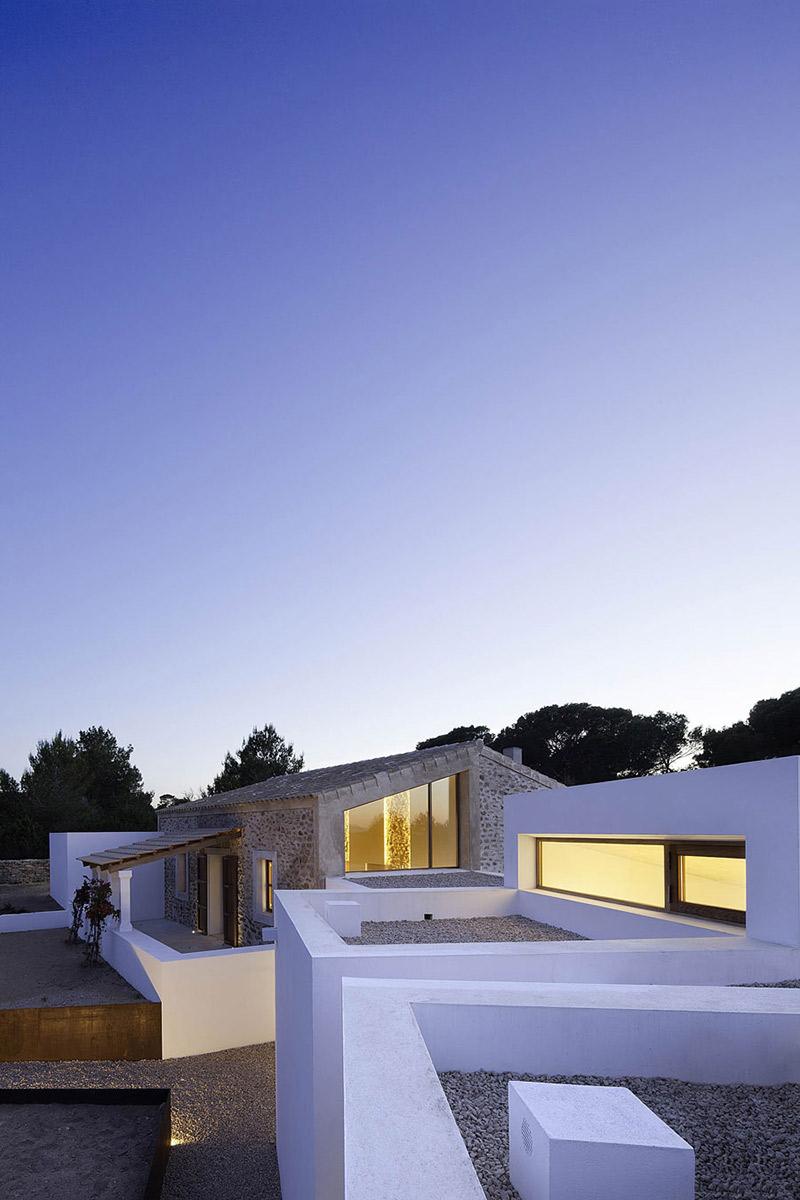 Evening, Terrace, Can Manuel d'en Corda by Marià Castelló Martínez