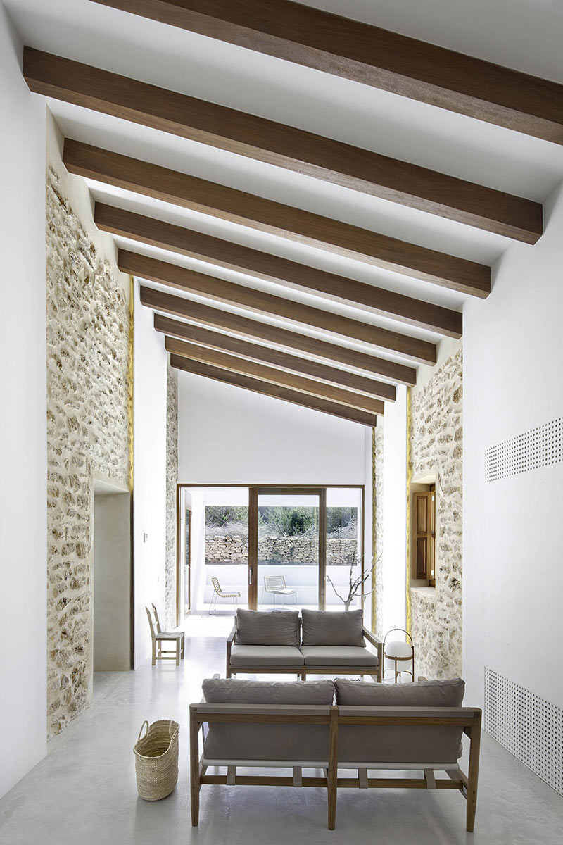 Living Space, Can Manuel d'en Corda by Marià Castelló Martínez