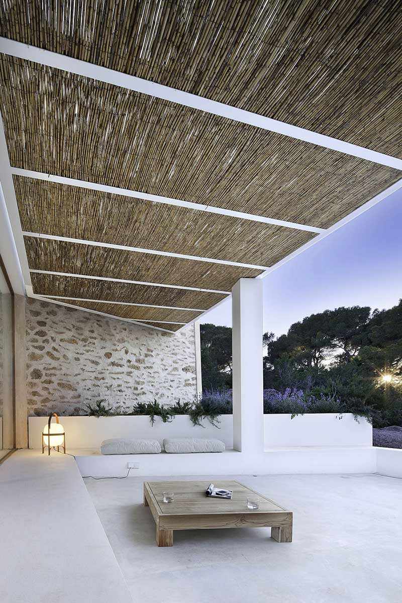 Outdoor Living Space, Can Manuel d'en Corda by Marià Castelló Martínez