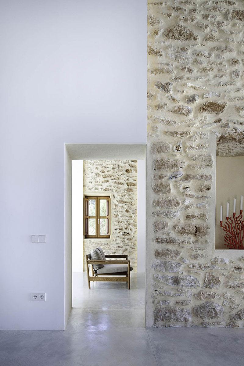 Stone Walls, Can Manuel d'en Corda by Marià Castelló Martínez