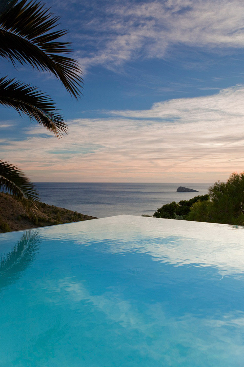 Infinity Pool, Diamond House, Alicante, Spain by Abis Arquitectura