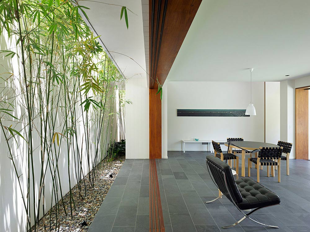Indoor Garden, Fig Tree Pocket House 2, Brisbane, Australia by Shane Plazibat Architects