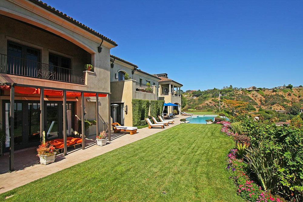 Garden & Terrace, Beautiful Mediterranean Home Beverly Hills