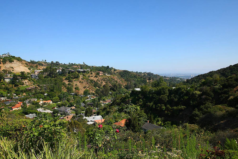 Mountain Views, Beautiful Mediterranean Home Beverly Hills
