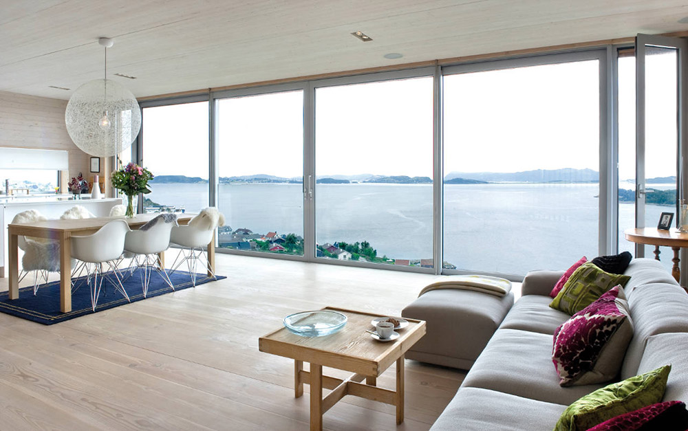Glass walls amazing views northface house norway by Opening glass walls