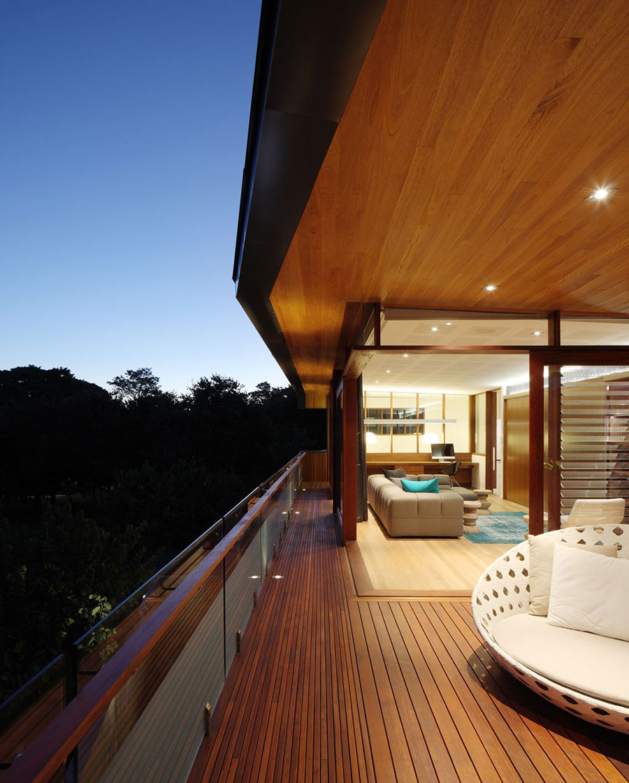 Balcony, Park House, Queensland, Australia by Shaun Lockyer Architects