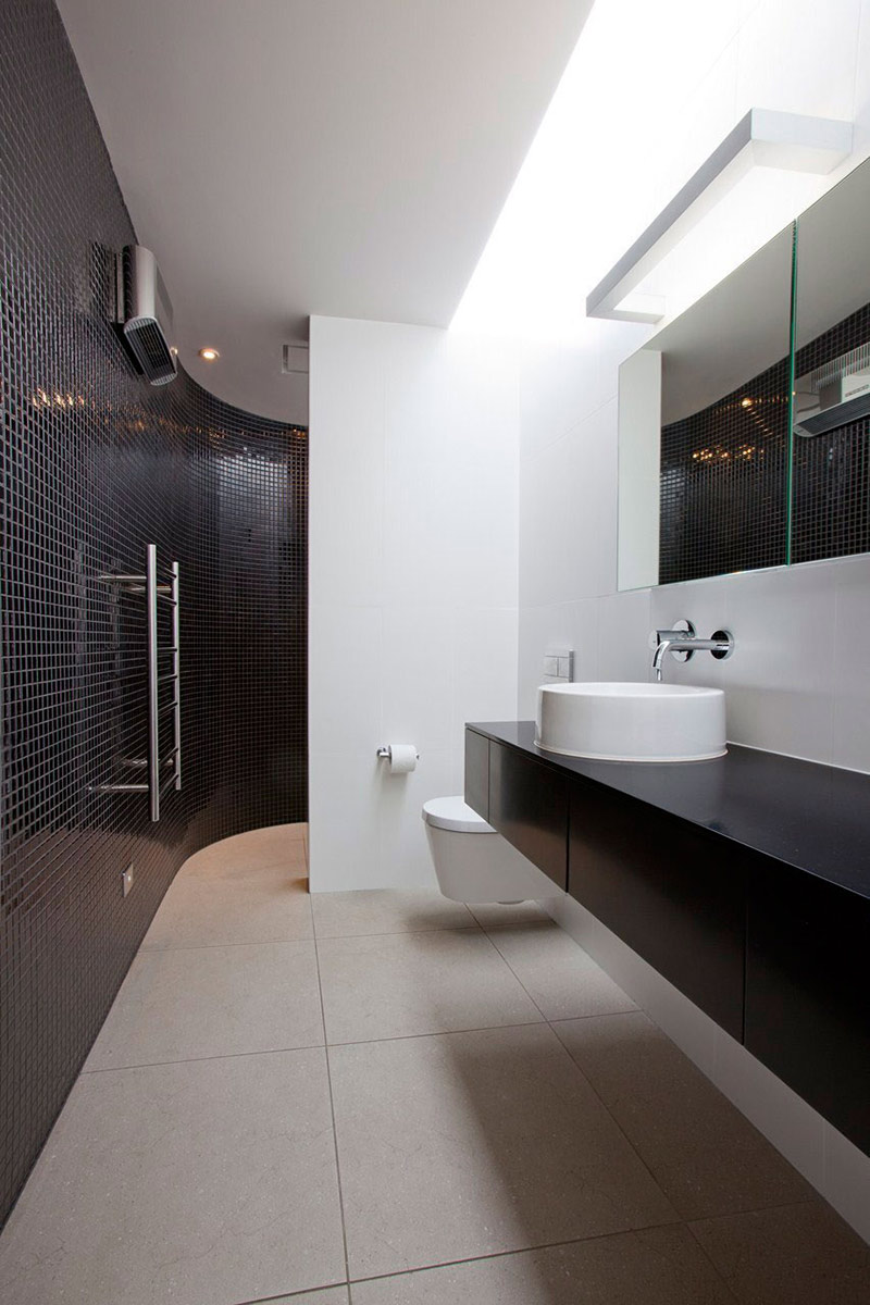 Bathroom, Redcliffs House, Christchurch, New Zealand by MAP Architects
