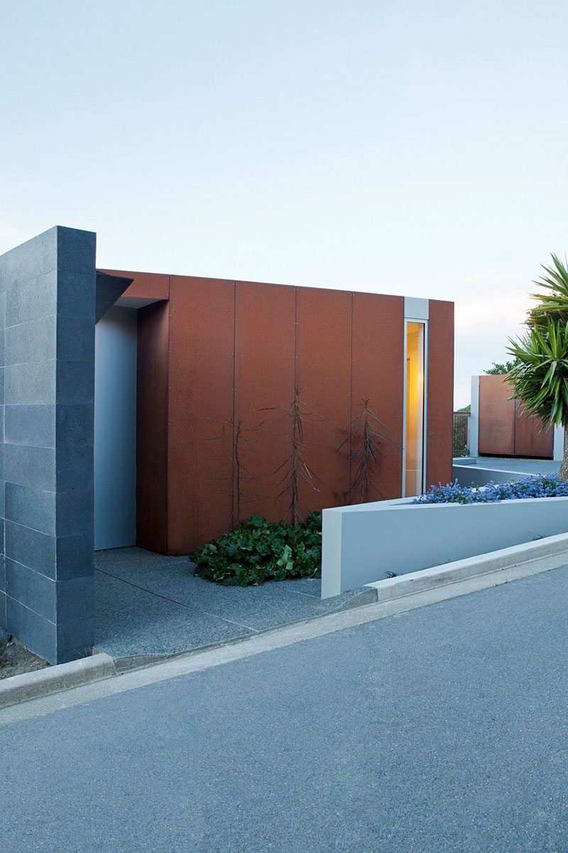 Entrance, Redcliffs House, Christchurch, New Zealand by MAP Architects