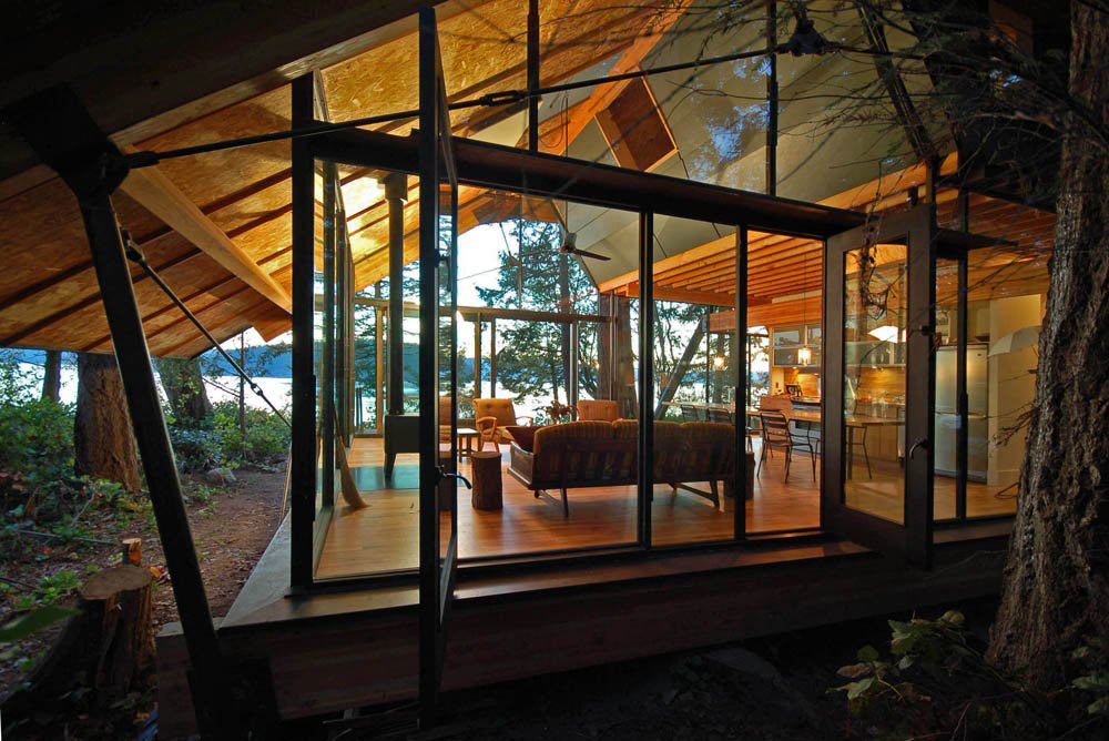 Glass Walls, Sneeoosh Cabin, Washington by Zeroplus Architects