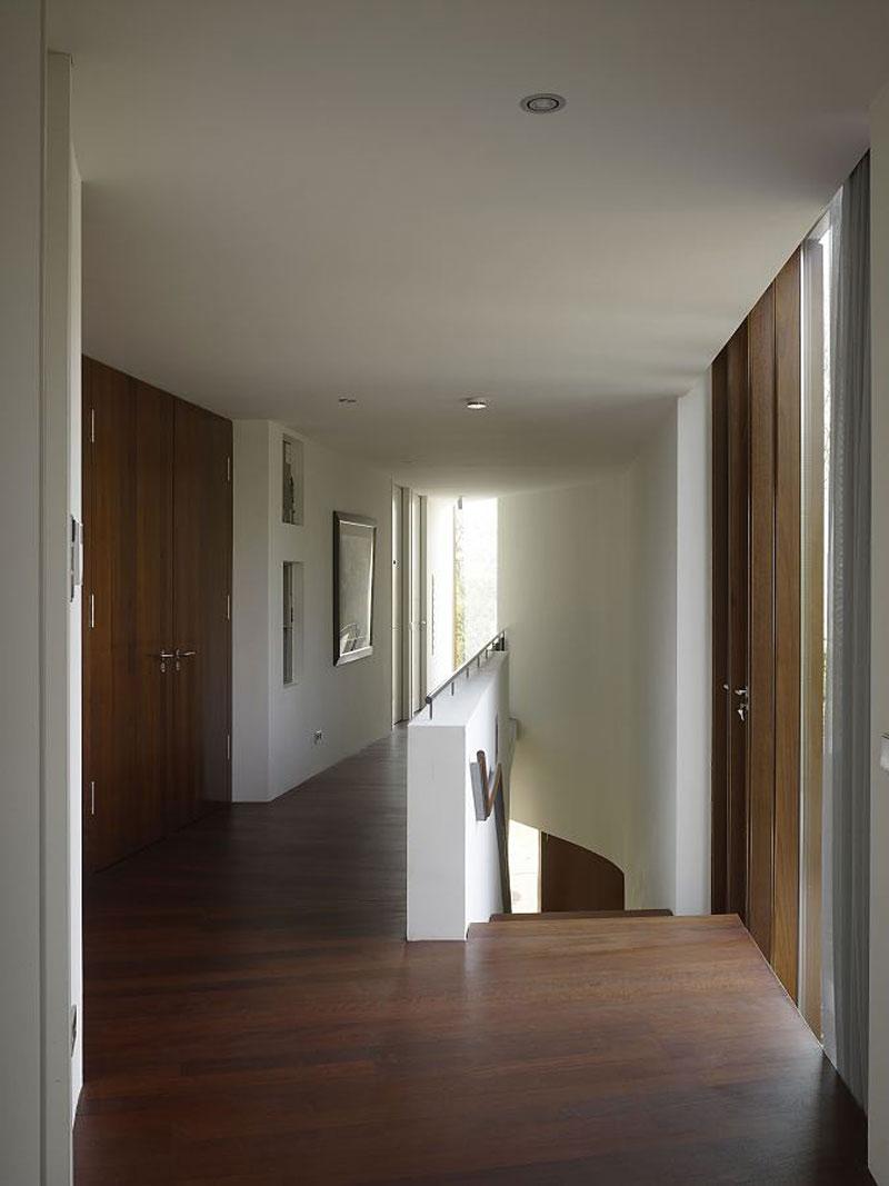 Landing, Villa Nefkens, Netherlands by Mecanoo Architects