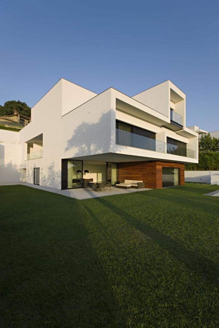 Back Garden, CS House Portugal by Pitagoras Arquitectos