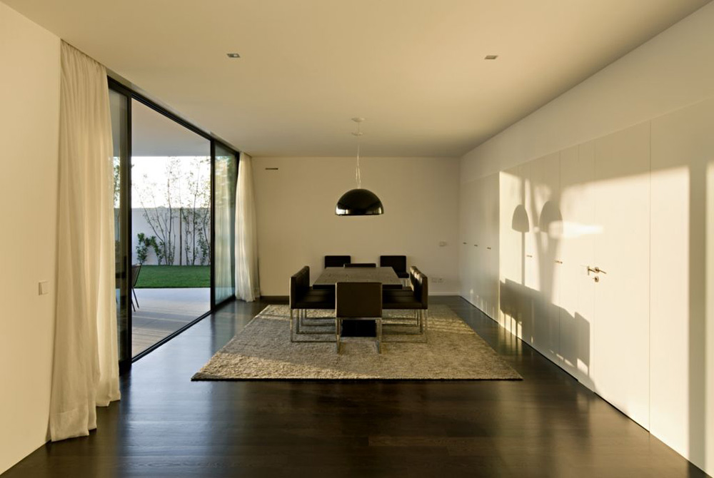 Dining Room, CS House Portugal by Pitagoras Arquitectos