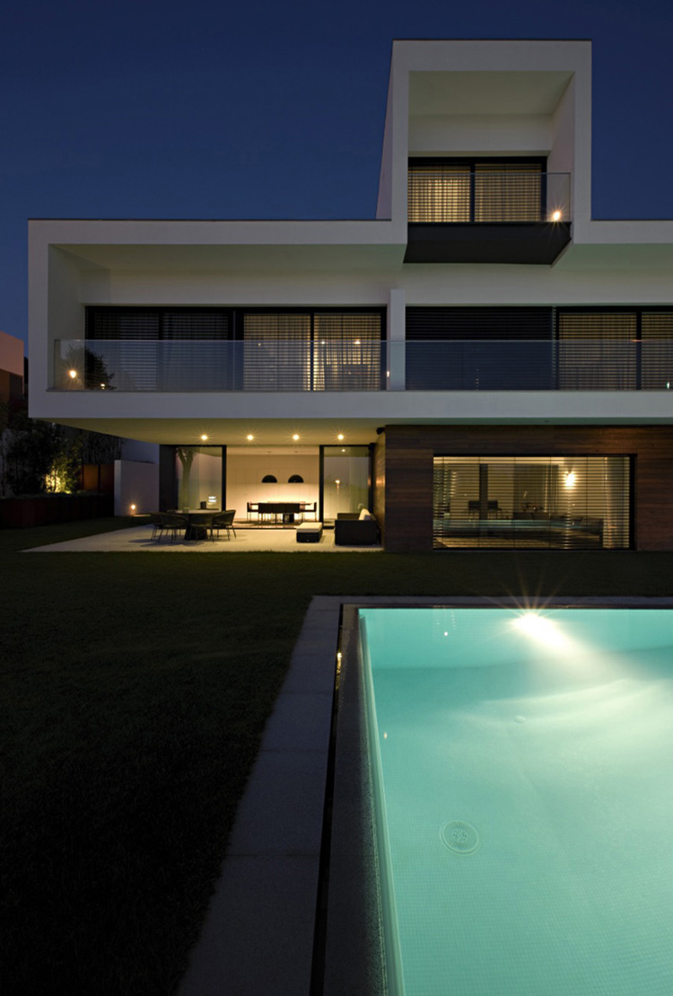 Envening, Pool Lights, CS House Portugal by Pitagoras Arquitectos