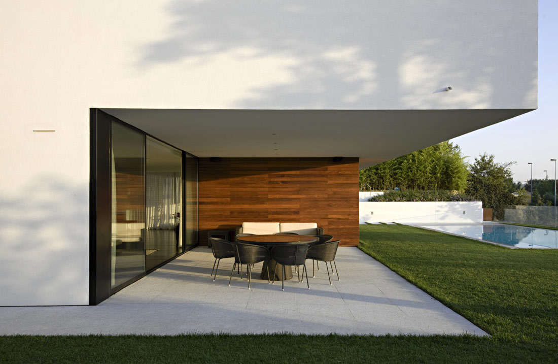 Patio House terrace, patio doors, pool, cs house portugalpitagoras arquitectos