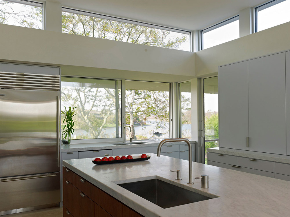 Kitchen, House by the Pond, New York by Stelle Architects