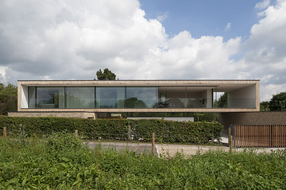Hurst House, Buckinghamshire by John Pardey Architects + Strom Architects