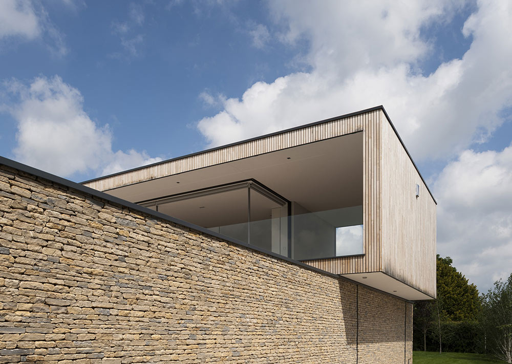 Hurst House, Buckinghamshire by John Pardey Architects + Strom Architects