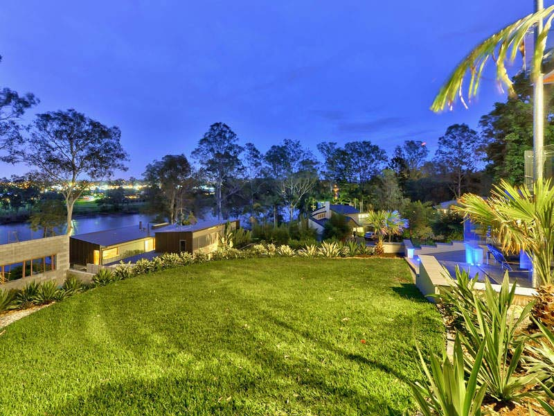 Garden, River View, Luxury Home on Brisbane River