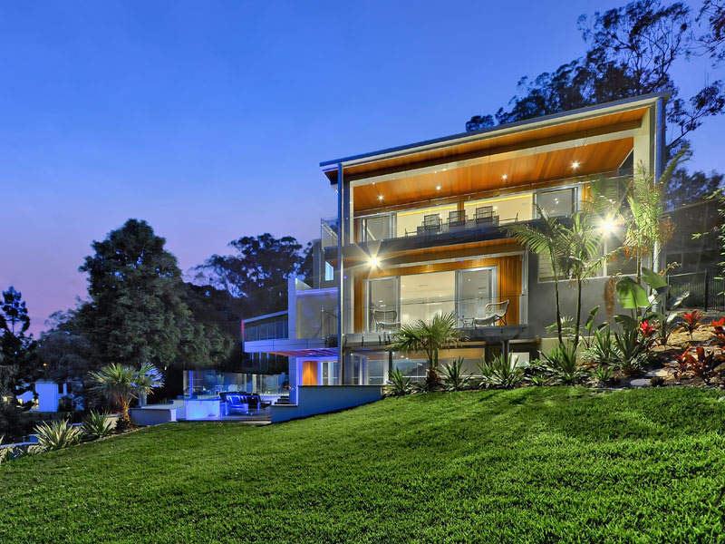 Luxury Home on Brisbane River