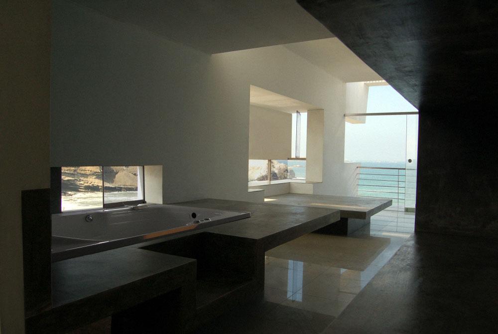 Bathroom, Lefevre House, Peru by Longhi Architects