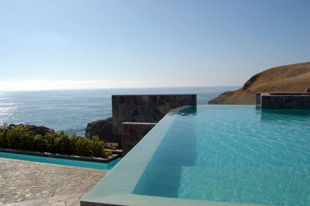 Infinity Pool, Lefevre House, Peru by Longhi Architects