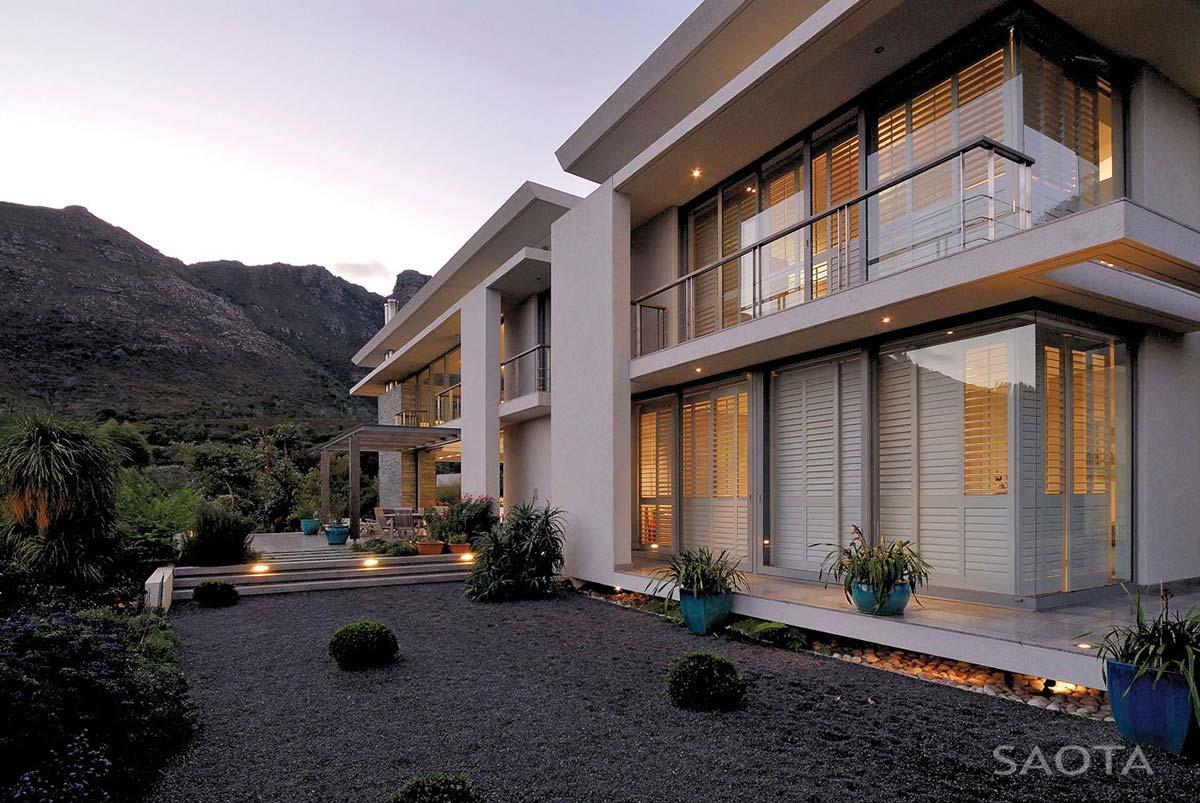 Terrace, Garden, Montrose House, Cape Town by SAOTA