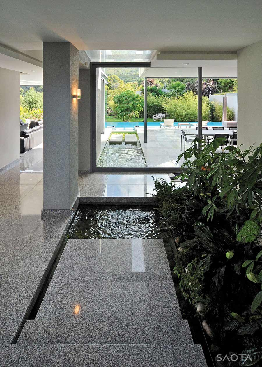 Water Feature, Montrose House, Cape Town by SAOTA