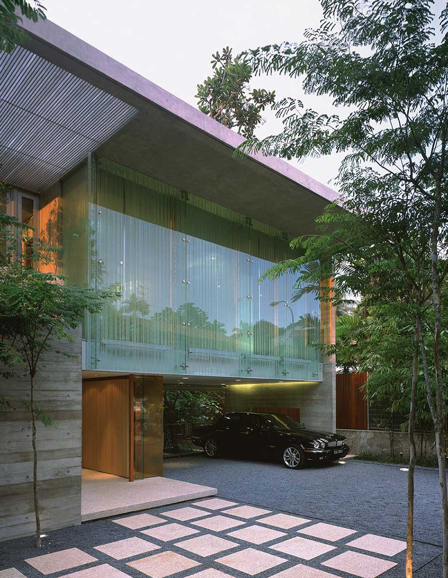 Drive & Entrance, Sunset Vale House, Singapore by WOW Architects