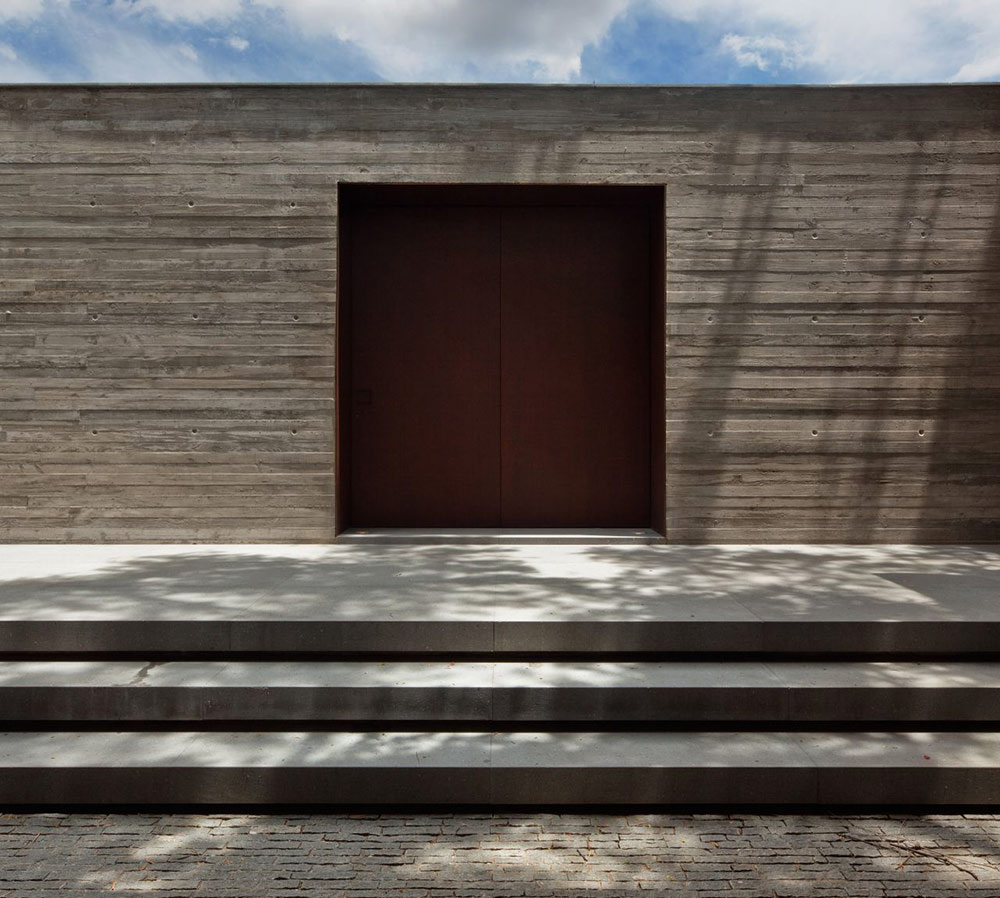 Entrance, V4 house, Sao Paulo, Brazil by Studio MK27