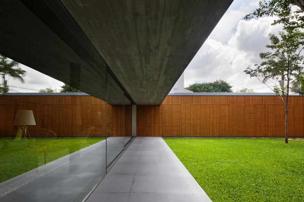 Glass Walls, Garden, V4 house, Sao Paulo, Brazil by Studio MK27