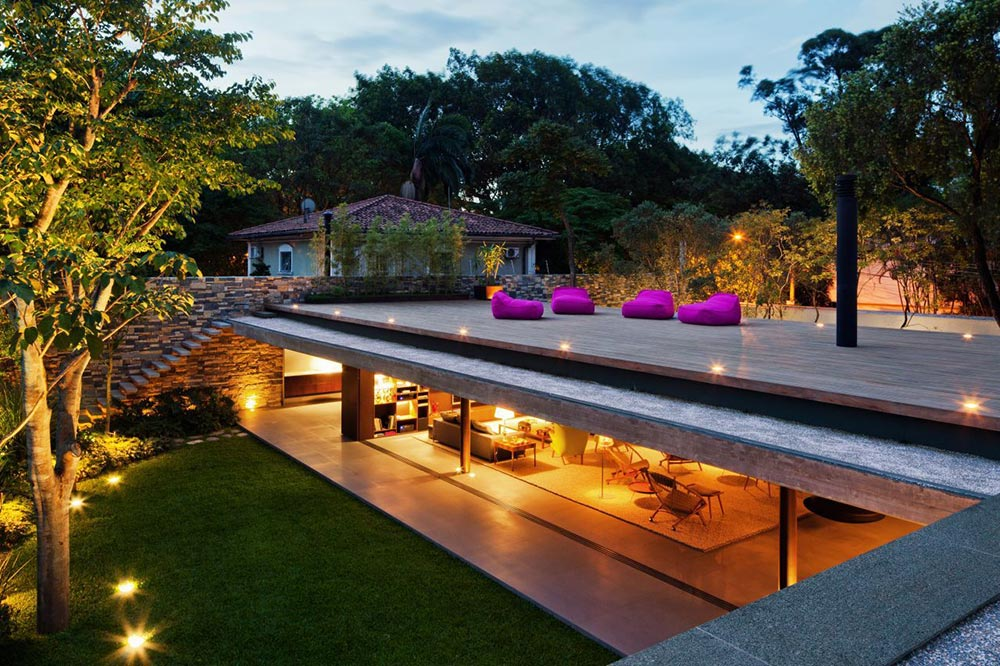 Roof Terrace, V4 house, Sao Paulo, Brazil by Studio MK27