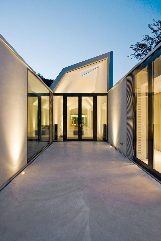 Entrance, Lights, Villa 4.0, Netherlands by Dick van Gameren Architecten