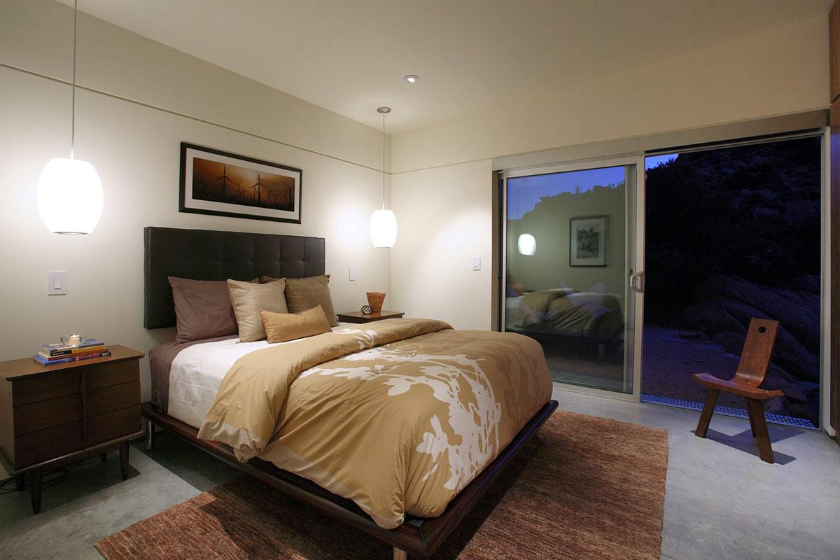 Bedroom, Rock Reach House, Mojave Desert, California, USA
