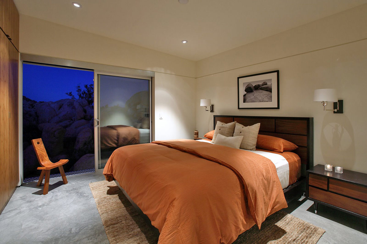 Bedroom, Rock Reach House, Mojave Desert, California, USA