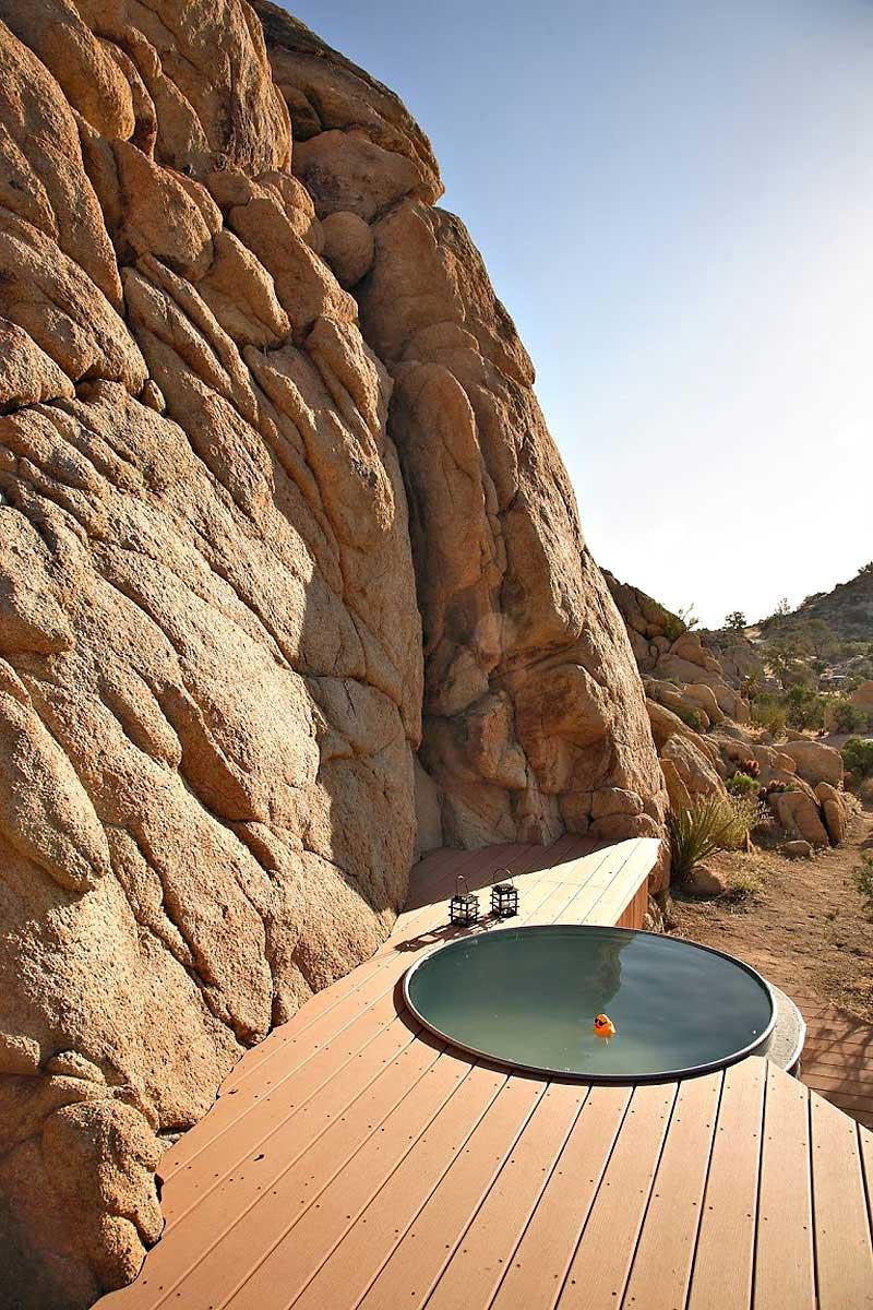 Hot Tub, Rock Reach House, Mojave Desert, California, USA