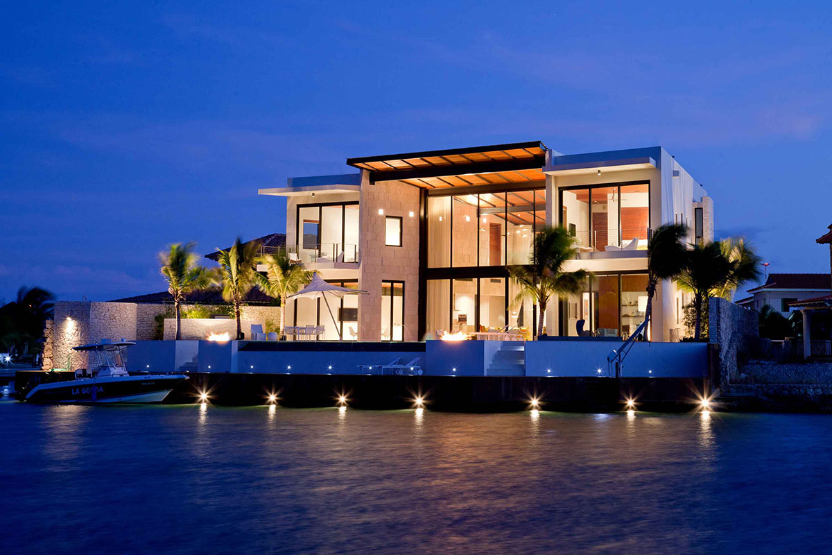 Modern waterfront home bonaire the netherlands antilles Architect florida