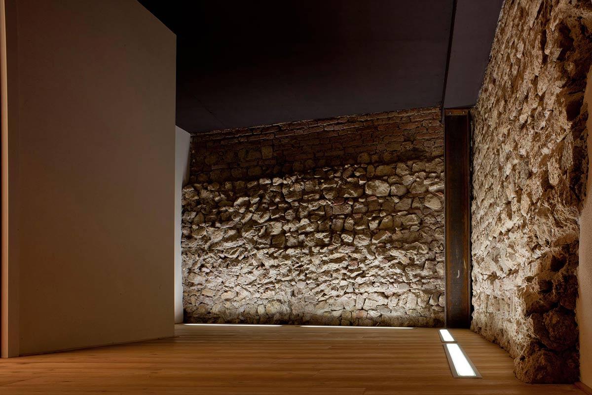 12th Century City Walls, Casa Ceschi, Vicenza, Italy