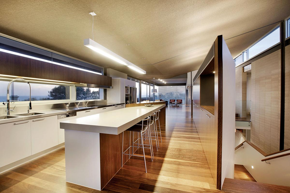 Kitchen, Breakfast Table, Coronet Grove Residence by Maddison Architects