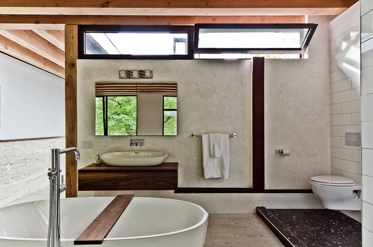 Bathroom, Ecologia Montreal by Gervais Fortin