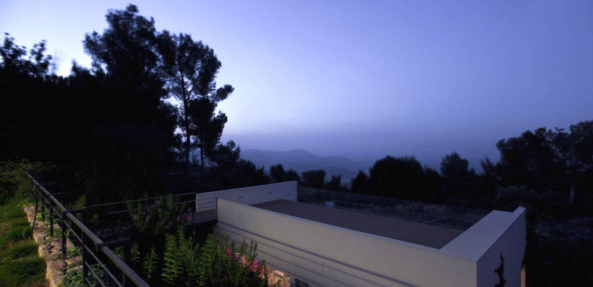 Bridge & Studio Roof Terrace, Hillside House Overlooking the Hahula Valley, Israel