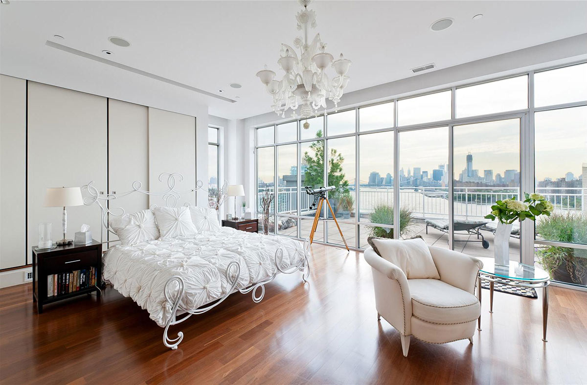 Glass Walls, Brooklyn Penthouse with Panoramic Views