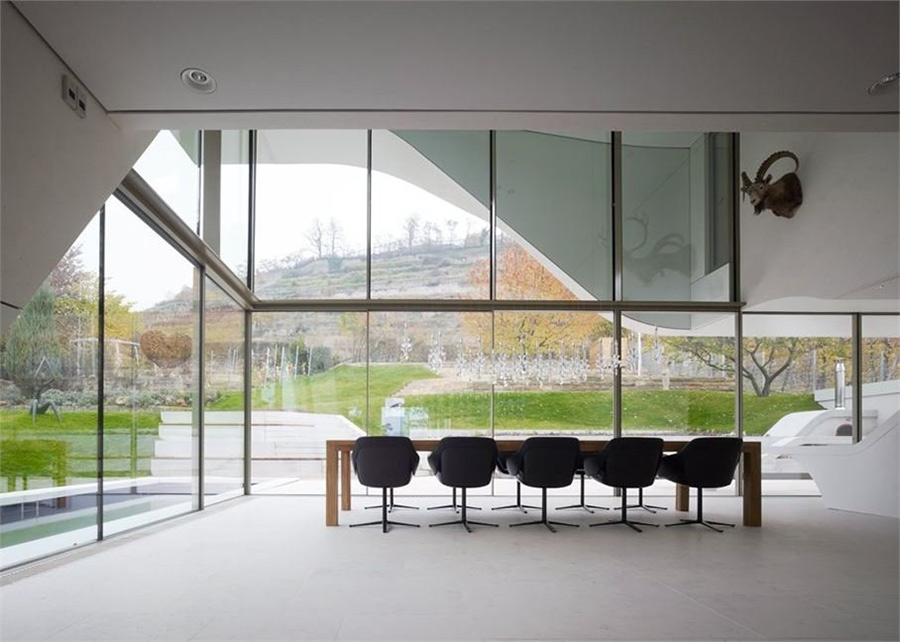 Dining Space, Curvy Villa on the Outskirts of Stuttgart