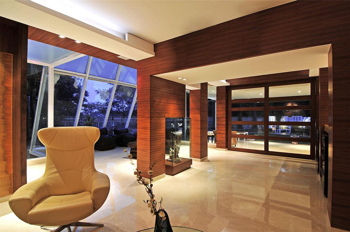 Mirror, Living Space, Three Story Home, Mumbai, India by ZZ Architects